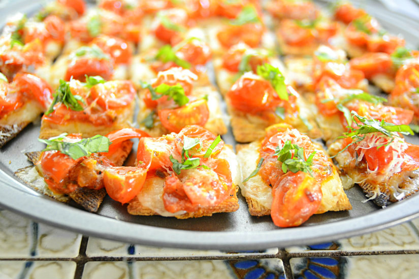 Margherita Triscuit Pizza