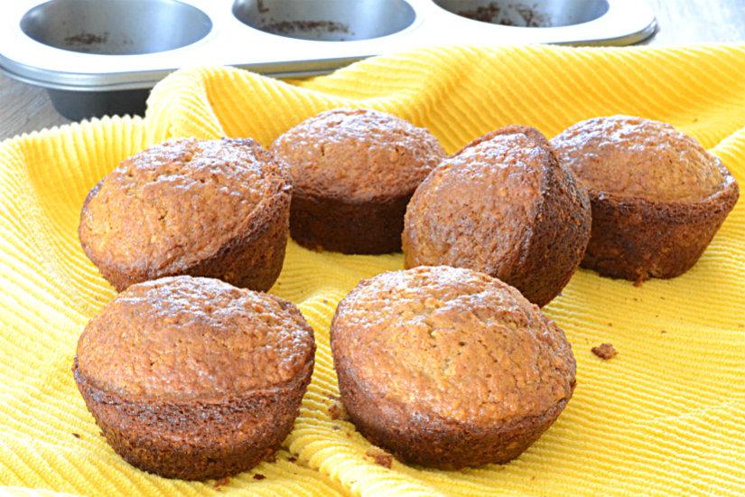Oatmeal Cinnamon Muffins